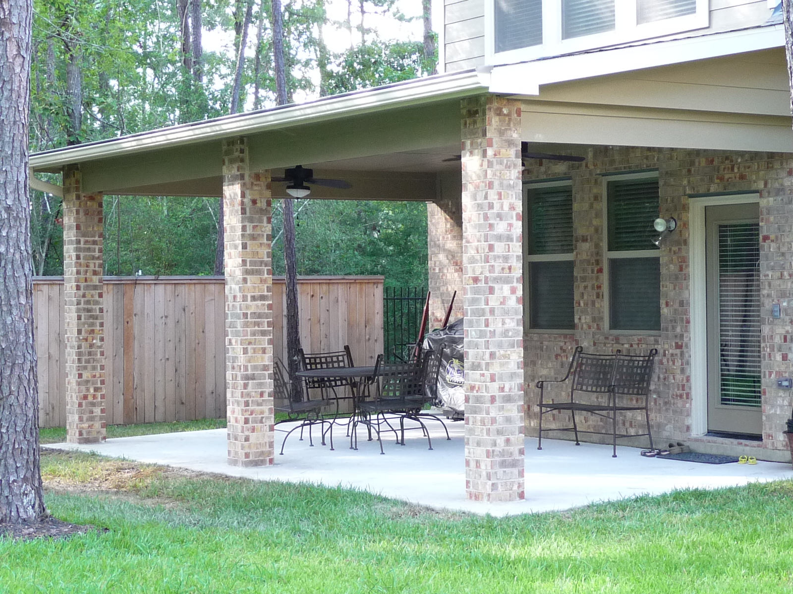 Patio Builder in The Woodlands TX – Affordable Shade Patio Covers