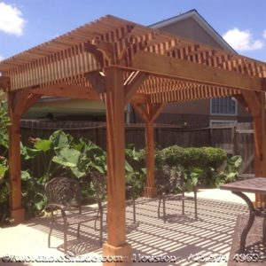 Wood Shade Arbor in Houston, TX